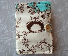 Tea Wallet Tutorial from MissingWillow on Craftster.org, for all of you tea drinkers... This is a cute idea