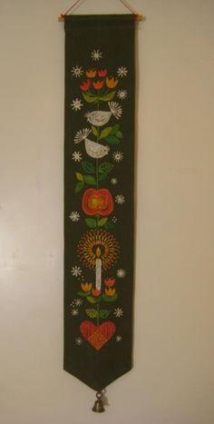Handbroderad vacker vepa med klocka Retro 60-tal på Tradera.com -