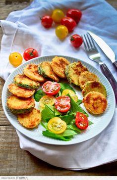 Caprese Salad, Food, Meal, Essen, Hoods, Meals, Insalata Caprese, Eten