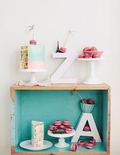 Mesas dulces en cajas de madera