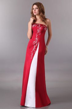 I just find this dress really gorgeous. It makes me think of a modern Queen 5ca0e6f27