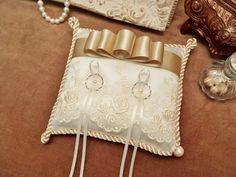 ベージュリボンとレースのリングピロー Wedding Ring Cushion, Wedding Pillows, Cushion Ring, Ring Bearer Pillows, Ring Pillows, Wedding Reception Decorations, Wedding Favors, Wedding Rings, Flower Girl Basket