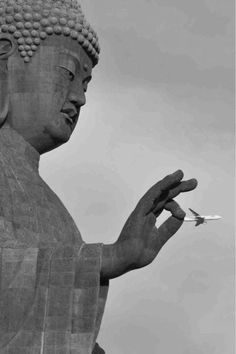 25 Best Perfectly Timed Photos for your inspiration | Read full article: http://webneel.com/perfect-time-photo-inspiration | more http://webneel.com/photography | Follow us www.pinterest.com/webneel