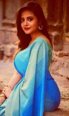 Big Boobs: Top 50 Girls With Huge Boobs Wallpapers Beautiful Bollywood Actress, Most Beautiful Indian Actress, Beauty Full Girl, Beauty Women, Saree Models, Beautiful Girl Image, Indian Beauty Saree, Beautiful Saree, India Beauty