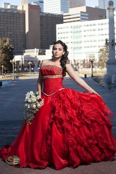 Gorgeous red Quinceañera dress and bouquet \\ Photo Credit: Gonzalo Espinoza Photography #Quinceanera