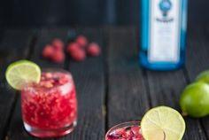 a bebida ideal para combater este calor: gin tónico com framboesas e água de rosas