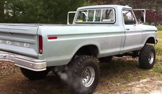 I traded my chevy diesel for this highboy. I think shes sweet but lemme know what you think and how much shes worth. Jeep Cars, Chevy Trucks, Best American Cars, Classic Car Insurance, Ford 4x4, Hood Ornaments, Cool Photos, Automobile, Monster Trucks