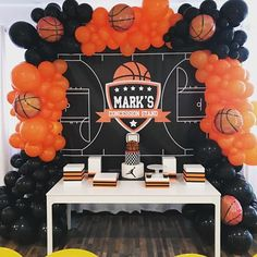 Basket ball birthday party decorations balloon arch 32 ideas for 2019 Sports Themed Birthday Party, Basketball Birthday Parties, First Birthday Parties, Basketball Party Favors, Basketball Cookies, 13th Birthday, Balloon Decorations Party, Birthday Party Decorations, Basketball Decorations