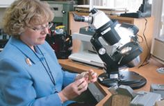Jocelyne Rouleau, #gémmologue, diamantaire, #bijoux - Boîte à Bijoux #Québec #diamant