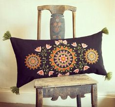 . Swedish Embroidery, Wool Embroidery, Embroidery Motifs, Wool Applique, Cross Stitch Embroidery, Embroidery Designs, Folklore, Wool Quilts, Tablet Weaving