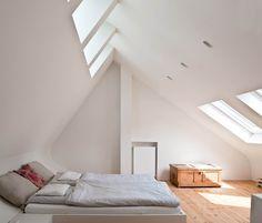 16 Fascinating Scandinavian Bedroom Designs To Inspire You – Loft İdeas 2020 Minimalist Architecture, Interior Architecture, Interior And Exterior, Interior Design, Attic Rooms, Attic Spaces, Home Bedroom, Bedroom Wall, Loft Room