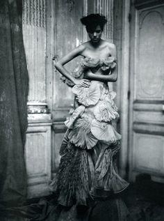Individuallure by Paolo Roversi. March 2008 Vogue Italia.