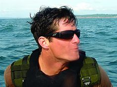 Happy Angel Birthday to Navy SEAL Michael Monsoor who selflessly sacrificed his life for our freedom. Please help me remember his service and honor his sacrifice. Rest In Peace Warrior 🇺🇸🦅 Unsung Hero, Fallen Heroes, Honor Roll, Real Hero, Navy Seals, Special Forces, Brave, Military, American