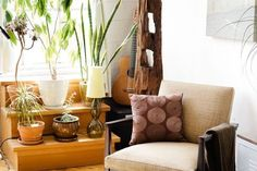 House Tour: Leila's Vintage Cocoon | Apartment Therapy