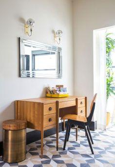 Elegant little setup.  Love the brass table/stool beside the desk.