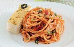 Weekend Recipe: Tomato-Pesto Pasta - Food Talk  SmartParenting.com.ph