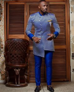 Blue (and other colors) glamouring native wear that will makes you look like Africa Prince Latest African Men Fashion, Latest African Wear For Men, African Shirts For Men, Nigerian Men Fashion, African Blouses, African Attire For Men, African Wear Dresses, African Clothing For Men, African Print Fashion