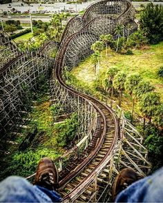 Abandoned rollercoaster in South Florida at Boomers Dania Beach. Photograph by via by abandonedearth Abandoned Theme Parks, Abandoned Amusement Parks, Abandoned Buildings, Abandoned Places, Water Park Rides, Places In Florida, Scary Places, Places Around The World, Beautiful Places