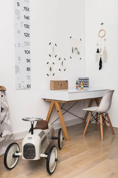 Deco Inspiration: Ideas to Include Nordic Style in Decoration (Petit & Small) Nordic Furniture, Kids Furniture, Scandinavian Kids Rooms, Scandinavian Style, Scandinavian Interior, Kids Workspace, Kid Desk, Kids Room Design, Nordic Style