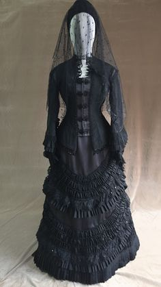 Victorian - 1880 mourning dress, similar to what Etta Collier wore, but without the long veil.