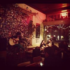 Open mic night - wow, I really am in Seattle!