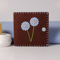 Sew pretty... Make to hold my needles. Line with magnets