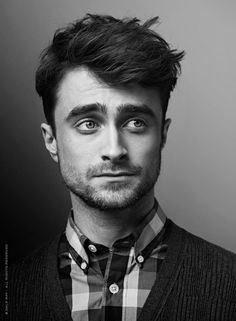 Just stumbled across this cool page for Daniel Radcliffe – WomanMax.pl Just stumbled across this cool page for Daniel Radcliffe Daniel Radcliffe – koniec z Harrym Potterem. Daniel Radcliffe Harry Potter, Daniel Harry Potter, Tyler Posey, Celebrity Portraits, Celebrity Photography, Dramione, Drarry, Saturday Night Live, Celebs