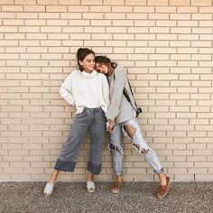 January with CS {bff! Outfit Ideas For Teen Girls, Fall Outfits, Cute Outfits, Outfit Winter, Casual Outfits, Friend Poses, Poses With Friends, Foto Casual, Trendy Swimwear