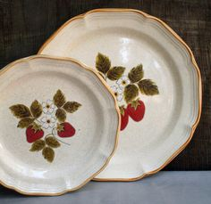 This set of Mikasa Strawberry Festival stoneware plates is absolutely adorable! They both feature a sweet little strawberry design on an oatmeal