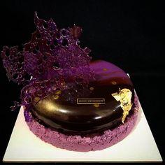 WEBSTA @ anahitmikayelyan - #pastry #pastrychef #pastryarts #birthdays #cake #specials #glazing #chocolate #caramels #hazelnut #chefstalks #reposted #chefslife #dessertmasters #dessert #sugarart #anahitmik #love #nice #armenia #art #erevan