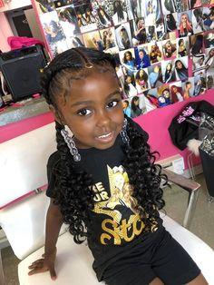 Little girl hairstyles (Feed-in pig tails) Lala Rose Beauty Bar Penteados de menina (Feed-in rabos de porco) Lala Rose Beauty Bar Lil Girl Hairstyles Braids, Mixed Baby Hairstyles, Tail Hairstyle, Black Kids Hairstyles, Black Girl Braided Hairstyles, Cute Hairstyles, Hairstyle Ideas, Hair Ideas, Little Girl Braids
