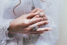 hochzeitsschuhe silber Wedding Nails Design Ideas with Trendin. hochzeitsschuhe silber Wedding Nails Design Ideas with Trending Pictures , # Wedding Accessories, Wedding Jewelry, Wedding Rings, Wedding Ceremony, Lace Wedding, Wedding Unique, Irish Wedding, Wedding Lingerie, Gown Wedding