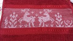 Bordado Swedish Embroidery, Diy Embroidery, Bead Loom Patterns, Weaving Patterns, Monks Cloth, Cat Cross Stitches, Weaving Designs, Swedish Weaving, Hello Kitty Wallpaper