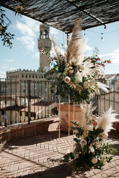Elegant and moody elopement inspiration in Florence, Italy. Gold, gray, and white colors with modern wedding styling. Photography by Silvia Mazzei. Show Of Hands, Pronovias Wedding Dress, Places In Europe, World Cities, Pampas Grass, Bride Shoes, Ceremony Backdrop, Arbors, Elopement Inspiration