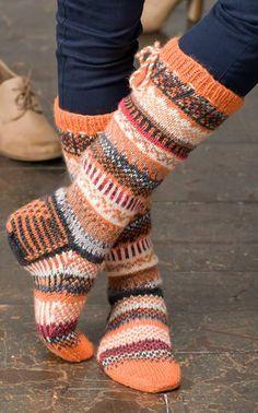 Kuvahaun tulos haulle sukkamallit Fair Isle Knitting, Loom Knitting, Knitting Socks, Hand Knitting, Knitting Patterns, Wool Socks, Knit Mittens, Crochet Socks Pattern, Knit Crochet