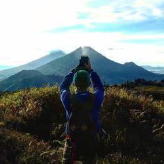 Let me photograph you in this light Sindoro and Sumbing Mountain.  : @maya_osien #mahaprau #gunungindonesia #pesonaindonesia