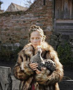 SCHACHER Delphine - Série « Petite robe de fête » - Festival de la jeune photographie européenne