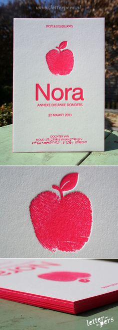 letterpers_letterpress_Nora_geboortekaartje_appel_vingerafdrukken_kleuropsnede_coloredging