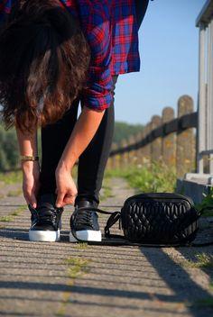 Les lacets, attacher ou cacher dans les baskets ? :)