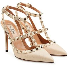 Valentino Rockstud Leather Pumps (2.400 BRL) ❤ liked on Polyvore featuring shoes, pumps, heels, valentino, beige, leather shoes, valentino shoes, heel pump, leather pumps and leather footwear