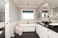 Royal Ocean View - contemporary - bathroom - vancouver - Positive Space Staging + Design, Inc.