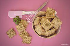 DIY Hunekekse Rezept: Frischkäse-Petersilien Kekse http://www.genkibulldog.de/2016/08/rezept-frischkase-petersilien-kekse-fur.html