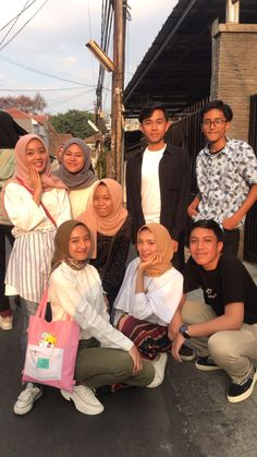 Bff Pictures, Best Friend Pictures, My Photos, Couple Photos, Korean Couple, Best Couple, Modern Hijab Fashion, Boy And Girl Best Friends, Ootd Hijab