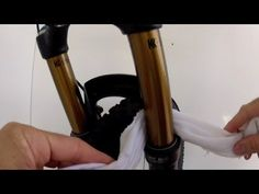 * MTB VIDEO * - How to clean and lube mountain bike suspension in 2 mins - YouTube - http://WhatIsTheBestMountainBike.com