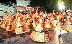 Casamentos Magazine | Famosos divertem-se nas Marchas de Santo António!