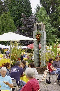 Sommerfest auf dem Schlossplatz in Badenweiler