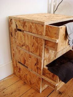 37 inspirations pour oser l'OSB – Page 2 sur 6 - Diy furniture design Plywood Furniture, Pallet Furniture, Furniture Making, Cool Furniture, Furniture Design, Furniture Ideas, Luxury Furniture, Unique Wood Furniture, Drawing Furniture