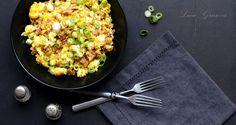 Tohle jednoduché zeleninové jídlo je takový malý kuchařský poklad. Dá se velice snadno obměňovat, můžete ho připravit jako rychlý oběd či večeři, vynecháním slaniny a vajec vám poskytne základ hlavního jídla, kde ho jako přílohu doplníte kouskem masa. \\