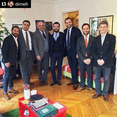 ZAMPA DI GALLINA — #Repost @dirnelli  ・・・  Customers, tailors and...