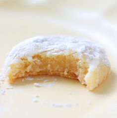 Chewy Lemon Snowdrop Cookies ~ These are like lemon bars but in cookie form. Makes about 2 dozen small cookies. Köstliche Desserts, Delicious Desserts, Dessert Recipes, Yummy Food, Recipes Dinner, Pasta Recipes, Crockpot Recipes, Soup Recipes, Vegetarian Recipes
